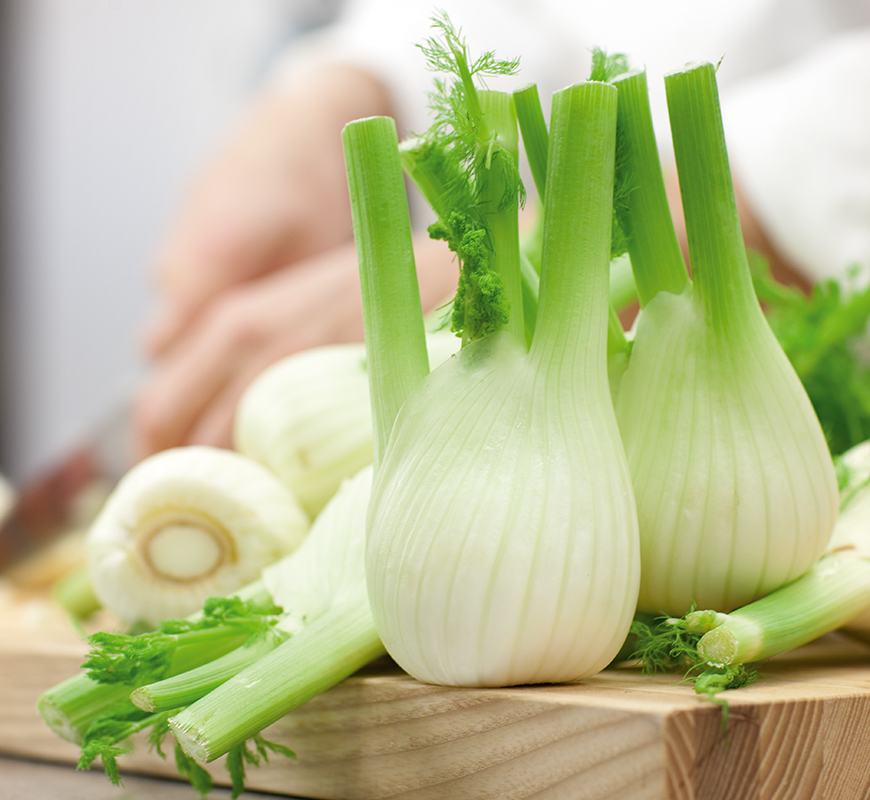 Remove unpleasant onion smell from kitchen hands